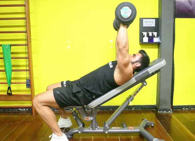 Supino 45º com Dumbbell