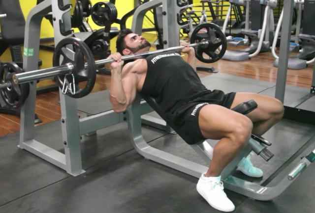 Exercício: Supino 45º