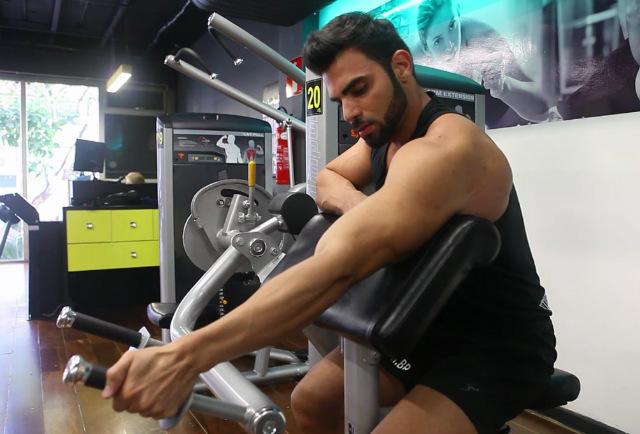 Tríceps Máquina Unilateral