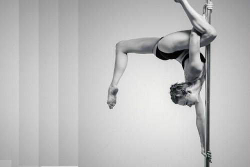 Pole Dance, um exercício sexy com benefícios incríveis!