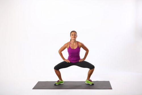 Exercício agachamento pliê ou squat plie